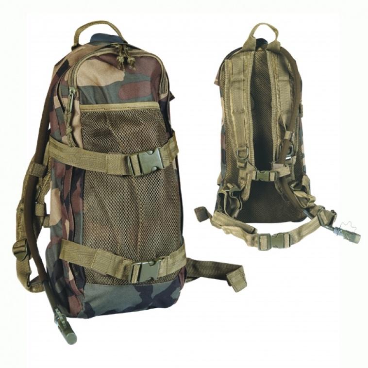 Art. nº 67 - Mochila de caza con hidropack de 2,5 litros incluido